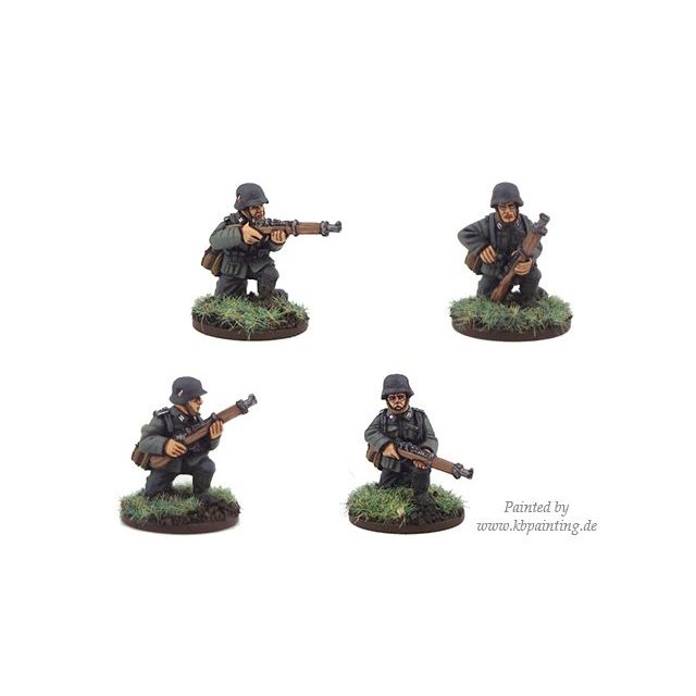 German Riflemen Kneeling (4)